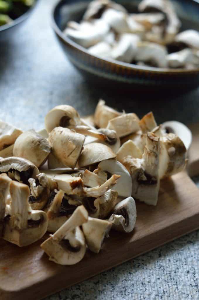 sliced mushrooms for saute