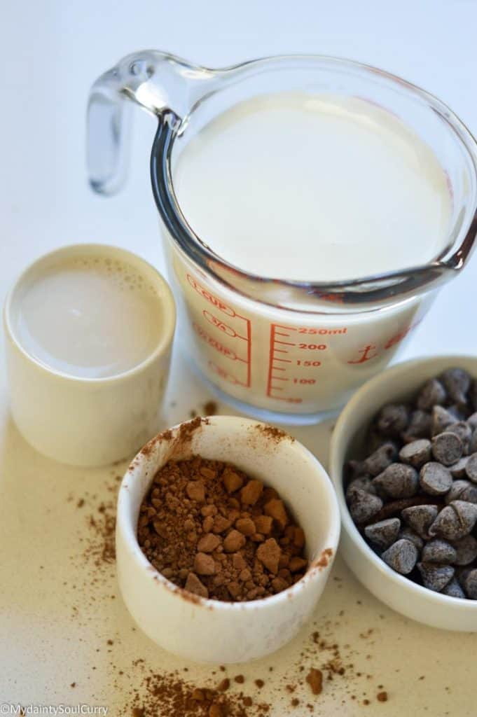 ingredients of instant pot hot chocolate