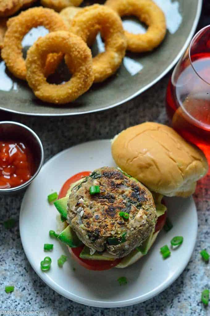 Spicy veggie bean burger