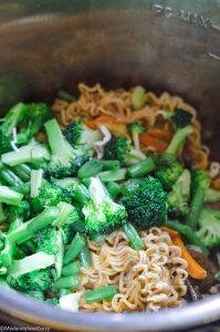 Cooking hakka noodles in the instant pot