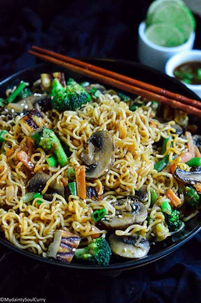 spicy hakka noodles